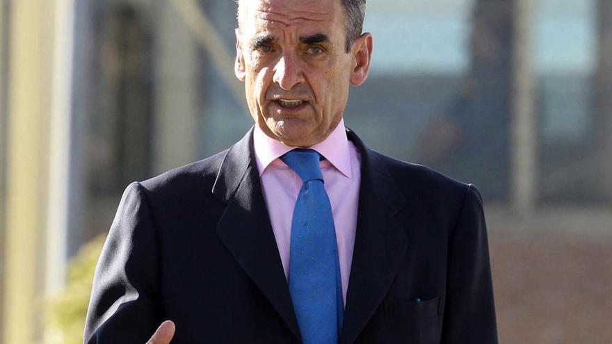 Mario Conde se suma a la entidad que reclama los 'papeles de Salamanca'