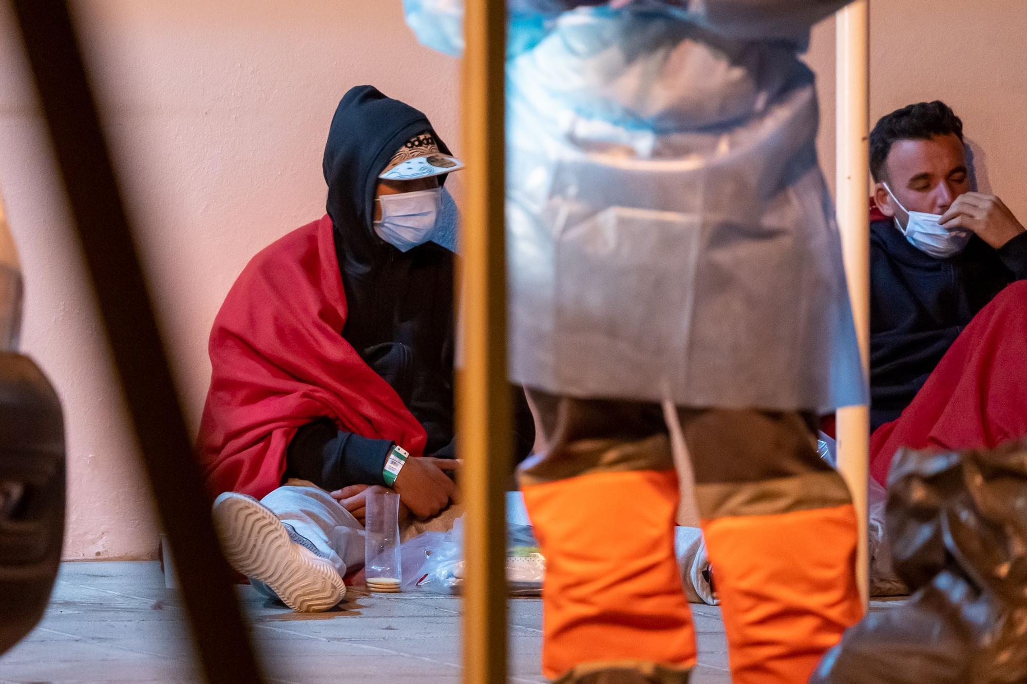 29 migrantes llegan a la rampa de Punta Mujeres, en Lanzarote (27/08/2021)