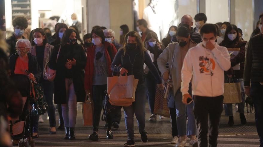 Los comerciantes piden que se adelante la paga extra de Navidad para que se pueda comprar antes