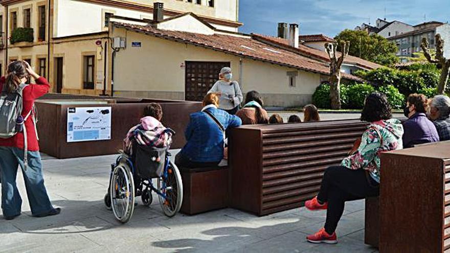 Villaviciosa inaugura una ruta literaria por las calles de la capital