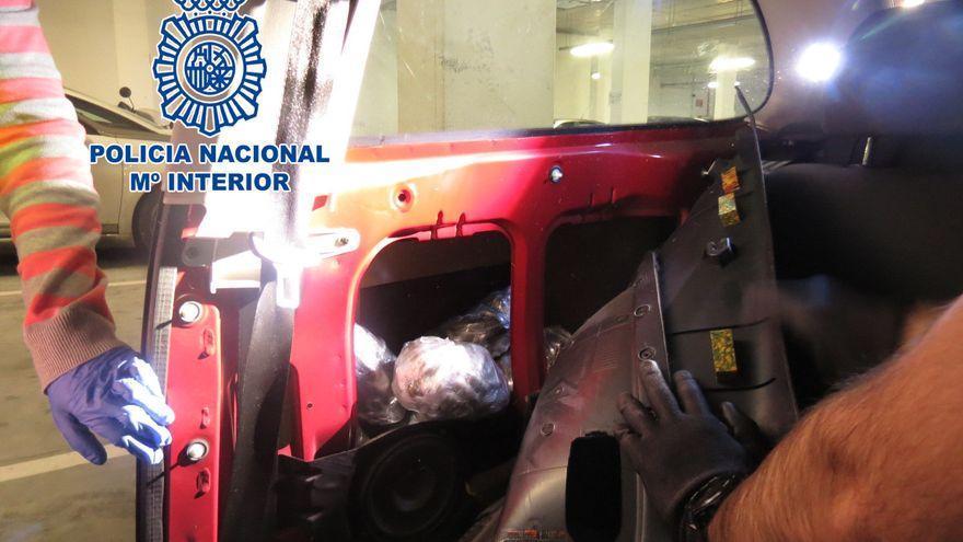 La red de hachís movía cada mes cien kilos de droga en coche entre el Estrecho y Vigo