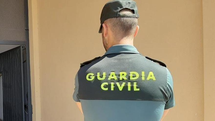 Detienen a tres personas por estafas con viviendas vacacionales en Tenerife