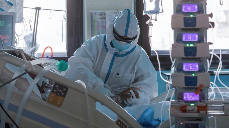 Tragedia en Valencia: Un matrimonio y su hijo pierden la vida por un brote de coronavirus en 4 semanas