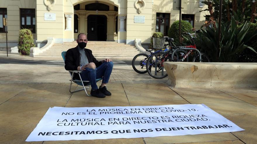 El Ayuntamiento afirma que los locales que cancelaron espectáculos de Mario Salazar, en huelga de hambre, no habían solicitado permiso