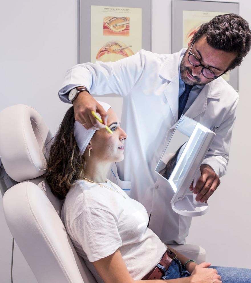 Clínica Villoria, único centro de cirugía de párpados con láser en Galicia