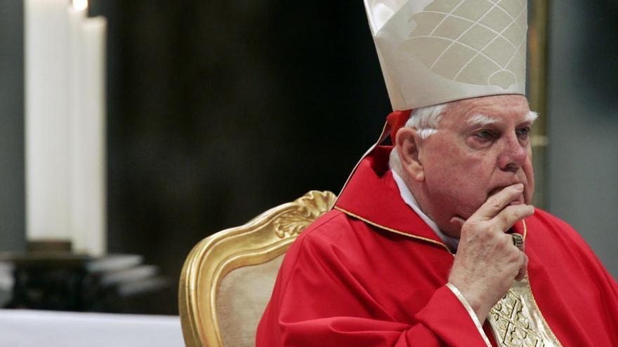 Muere el cardenal Law, encubridor de curas pederastas en Boston