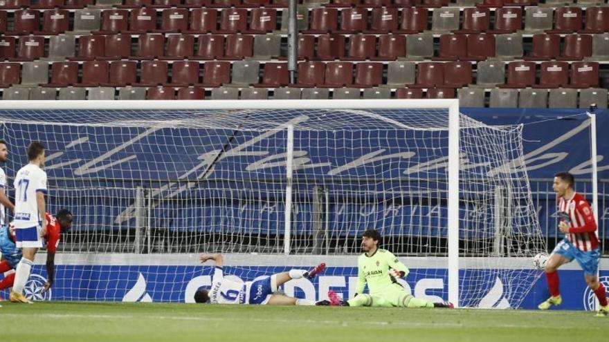 La estrategia, de nuevo letal para el Zaragoza