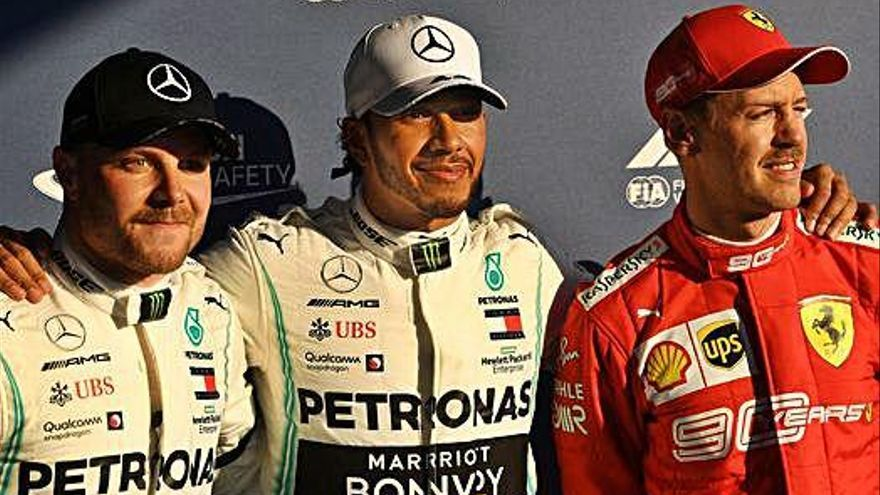 Exhibició de Hamilton i primera pole de la temporada, a Austràlia