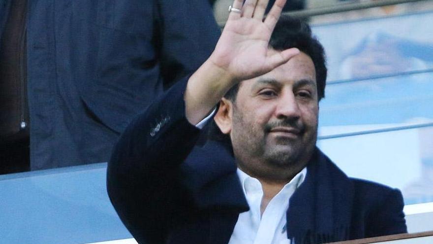 Al-Thani propone un paquete de medidas para evitar la quiebra
