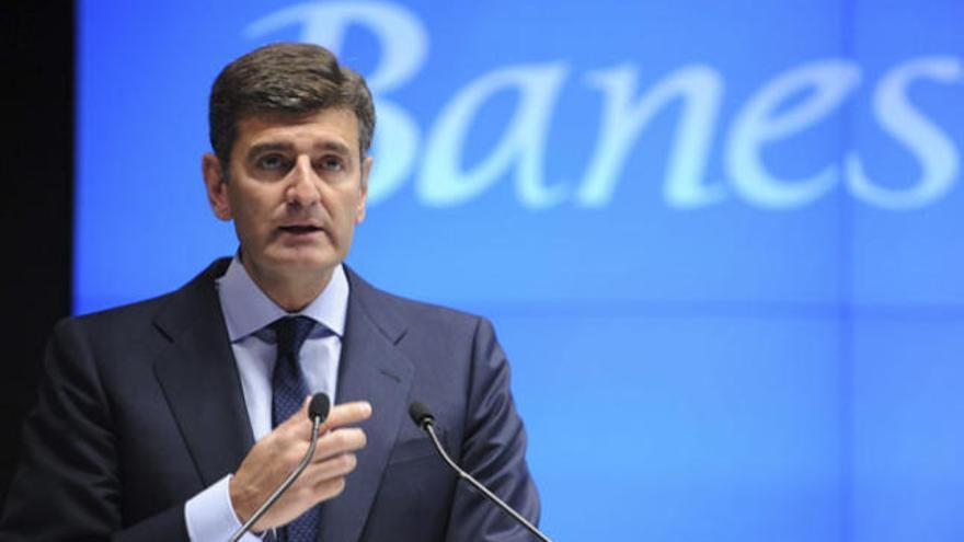 Banesto gana un 88% menos y descarta un rescate para España