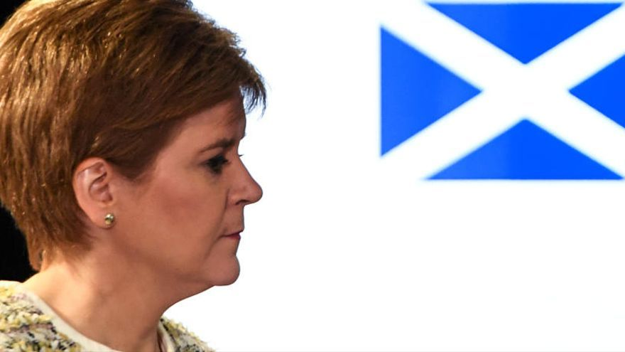 Escocia paraliza sus planes para un referéndum por el Covid-19