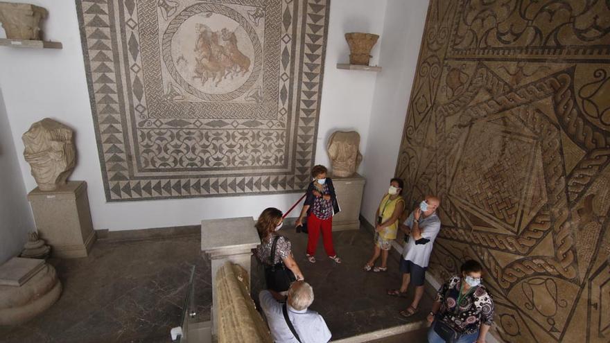 La fachada del Museo Arqueológico resplandece tras su restauración