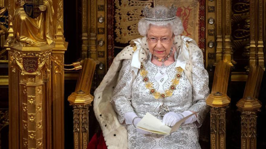 Isabel II cumple 94 años confinada por el coronavirus