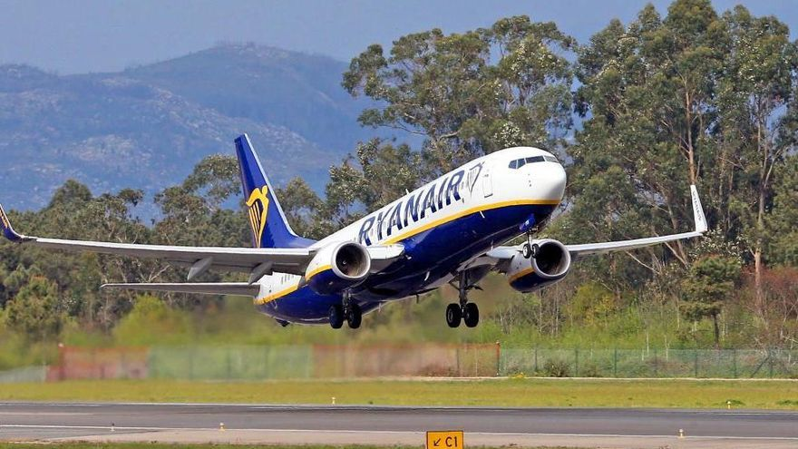Ryanair regala ya sus vuelos por la 'asfixia' del coronavirus