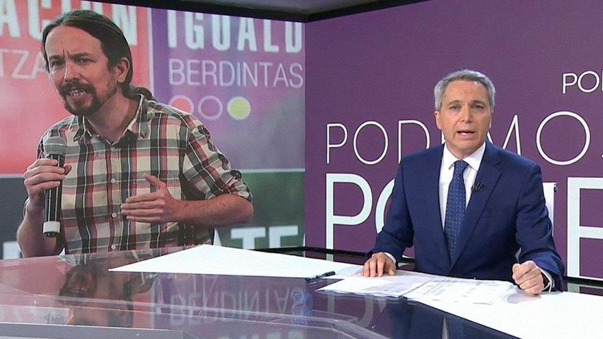 ENCUESTA | ¿Qué opinas de que los políticos critiquen directamente a periodistas?