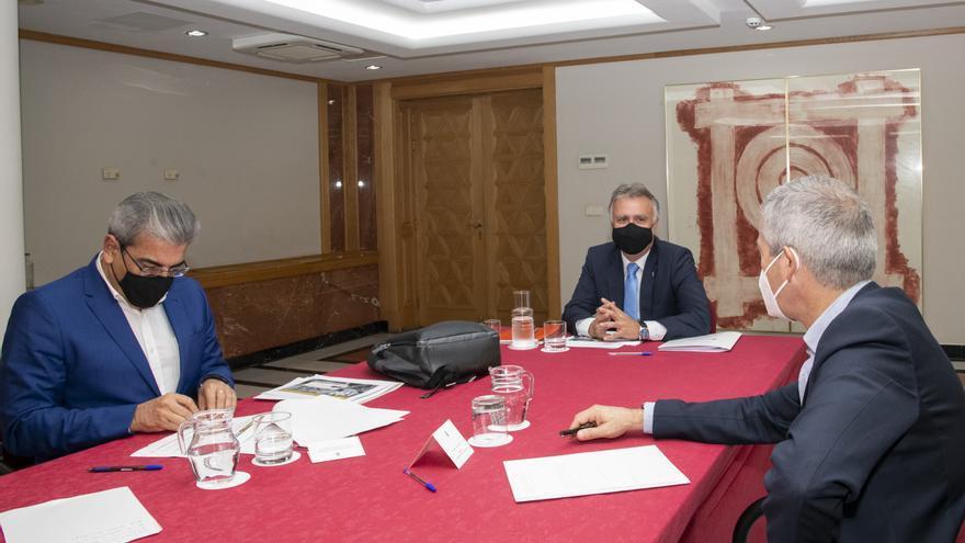 Torres presenta a los agentes económicos y sociales de Canarias el proyecto de Ley de los presupuestos autonómicos