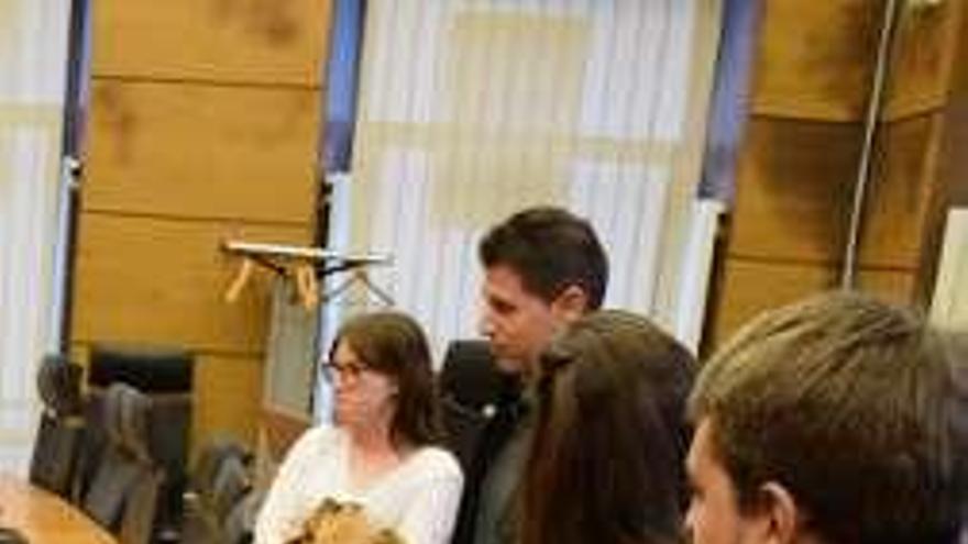 El alcalde de Siero recibe a los jóvenes en prácticas en el Ayuntamiento