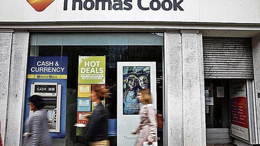 EL Gobierno eleva a 500 millones la línea de crédito para hoteleros por la quiebra de Thomas Cook