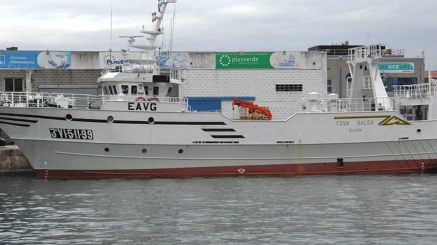 Un barco gallego fondea en Senegal por un brote a bordo con tres contagiados