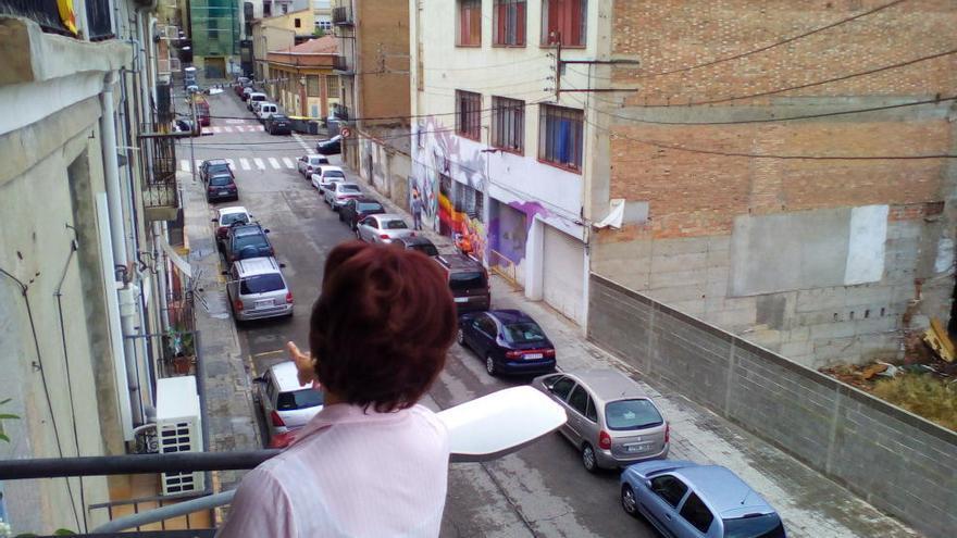 «He sortit al balcó i he vist la policia. Hi ha hagut molt moviment»