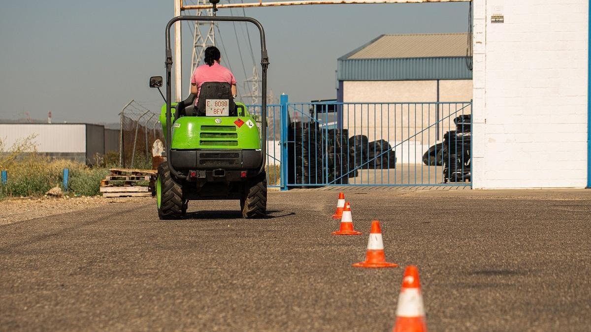 Cruz Roja Córdoba y la Junta ayudan a encontrar trabajo a 150 mujeres víctimas de violencia de género