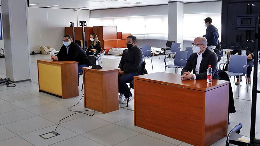 Crespo, Cuesta y Roca suman 4 años de cárcel por simular facturas en Emarsa