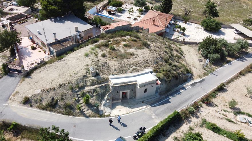Casas cueva en la partida de La Alcoraya en Alicante