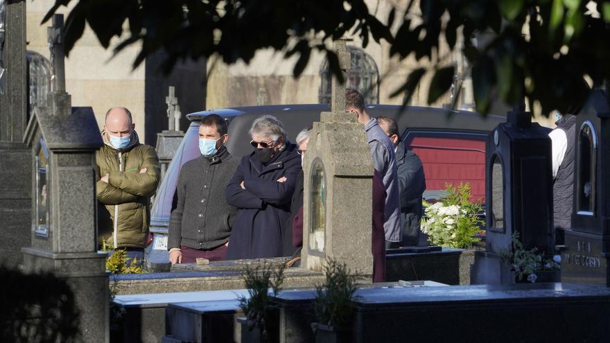Rosario Porto, enterrada en el cementerio de Boisaca de Santiago ante una docena de personas