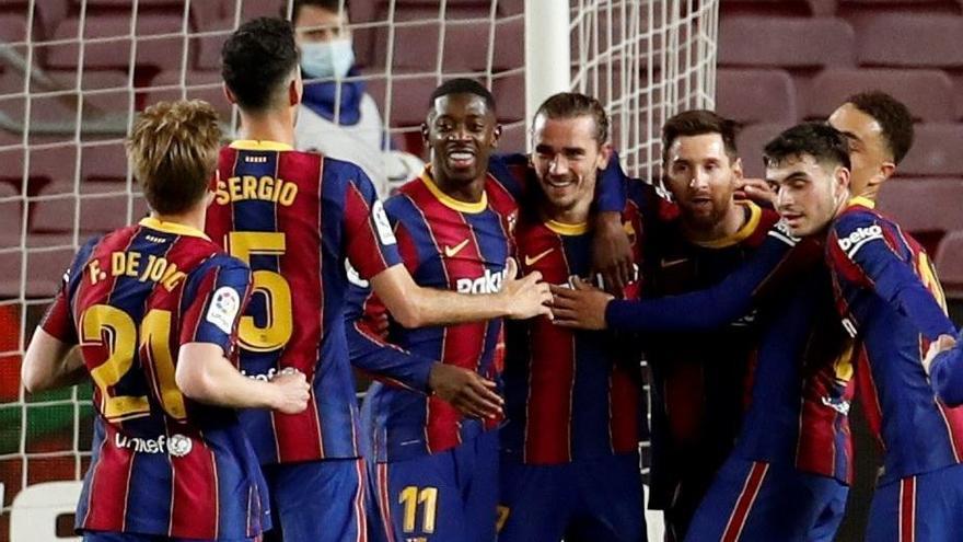 El Barcelona golea al colista y ya está a cuatro puntos del Atlético