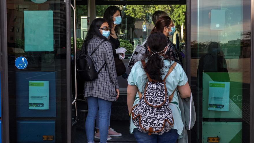 Los viajeros otorgan un notable alto a la EMT durante esta pandemia