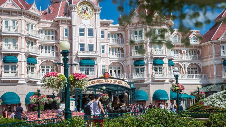Disneyland París reabre sus puertas tras siete meses y medio de cierre