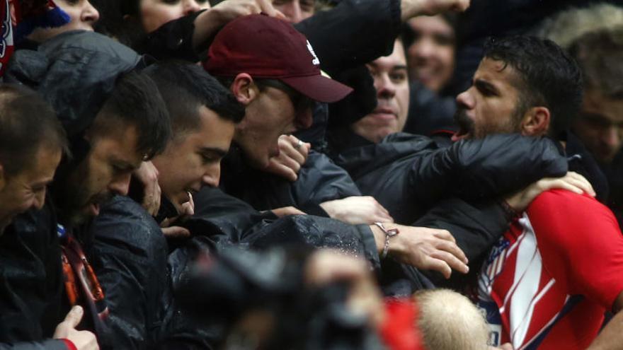 Diego Costa se'n va al carrer en el seu primer partit amb l'Atlètic