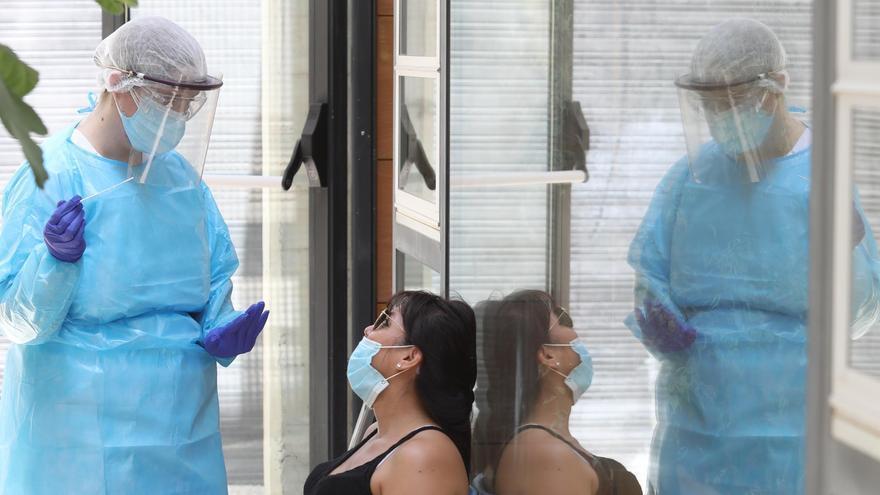 Sanidad reduce a diez días el confinamiento por coronavirus