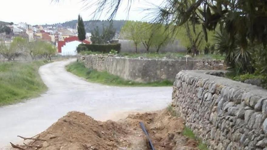 Les Coves de Vinromà renueva las conducciones de agua potable