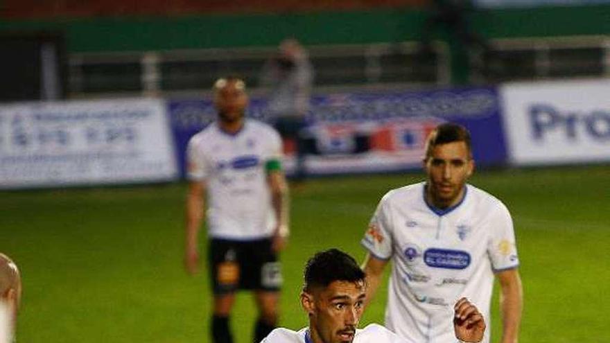 Tres puntos de oro para el Arenteiro ante el Ourense CF