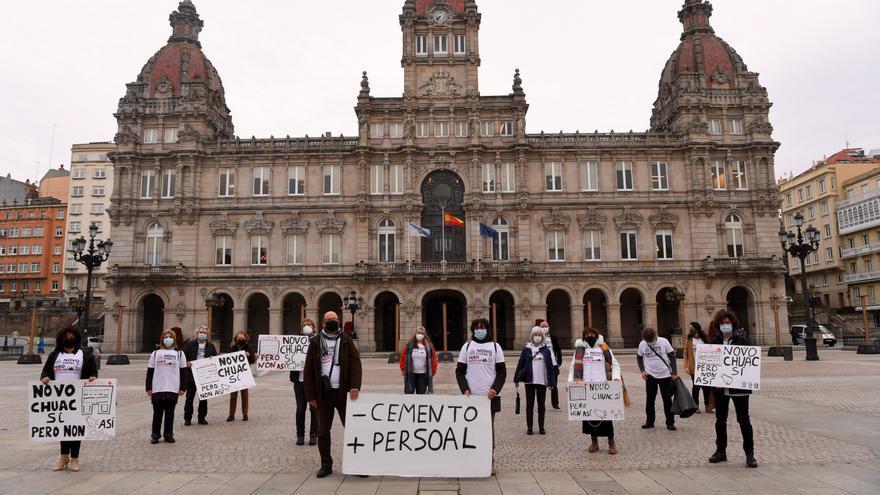 El Concello defiende la ampliación del hospital hacia el parque de Eirís y el 'parking'