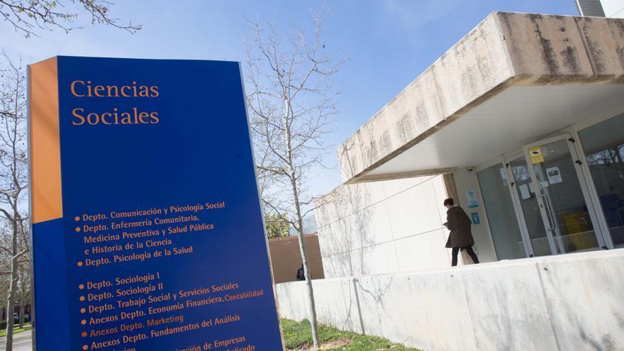 Estudiantes de la UA realizan proyectos de intervención social realista junto a la Loyola de Chicago