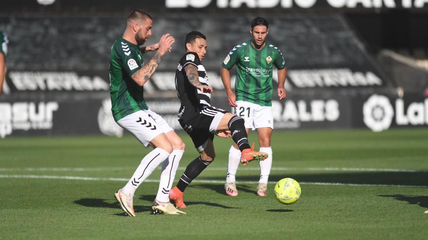 LA CRÓNICA | El Castellón juega con fuego y se queda sin margen de error (1-0)
