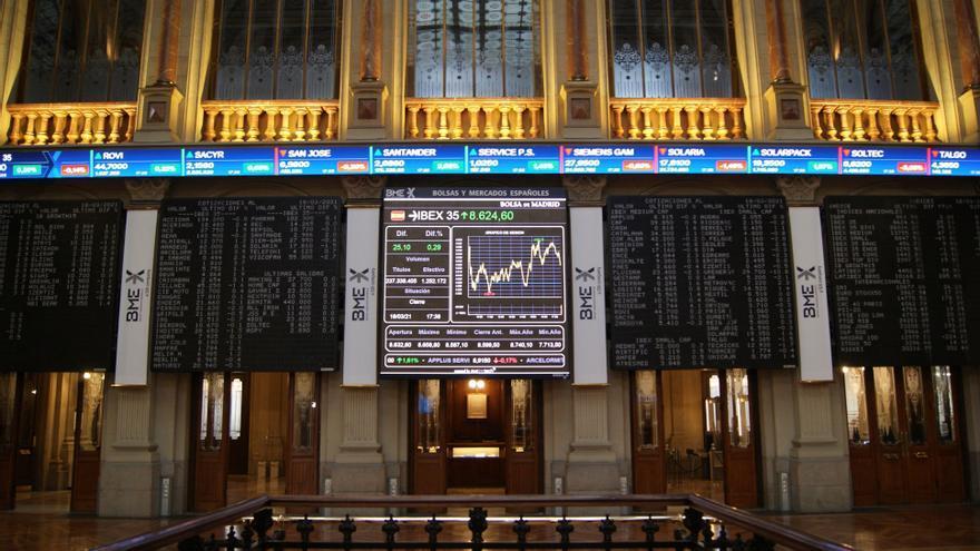 El Ibex 35 pierde un 1,75% en la semana y se queda por debajo de los 8.500 puntos