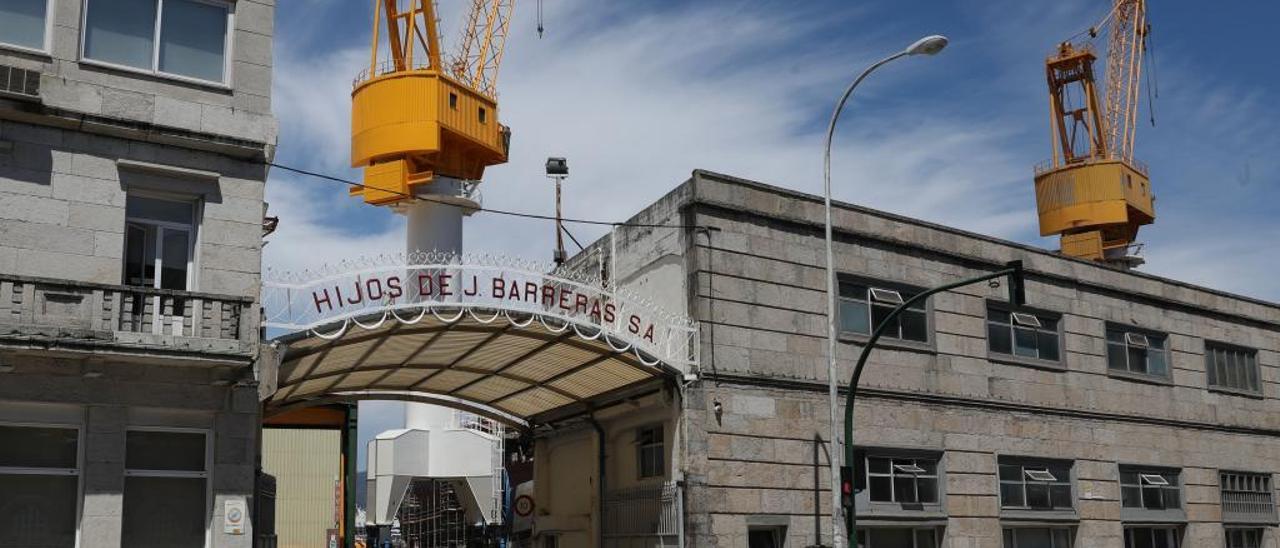 Entrada al astillero Barreras