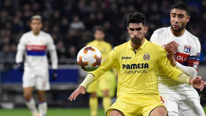 El Villarreal se complica la vida en Lyon