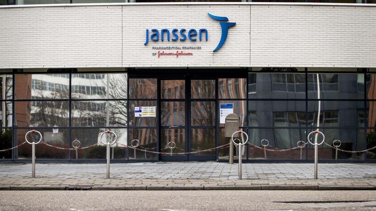 La EMA emitirá su recomendación sobre la seguridad de Janssen la próxima semana.