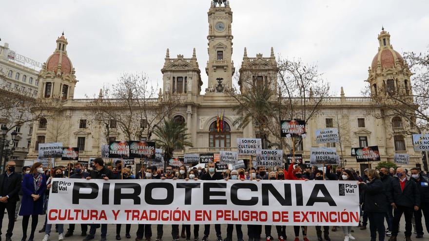 La pirotecnia lanza un SOS ante el Ayuntamiento de València