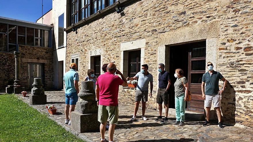 """La entrada en servicio de la Oficina de Turismo """"abre las puertas"""" de Alcañices"""