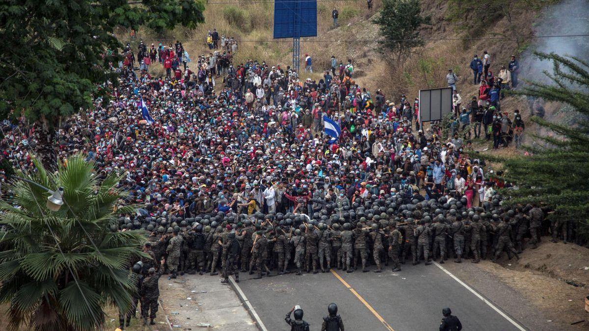 La caravana migrante es devuelta a Honduras tras la represión en Guatemala