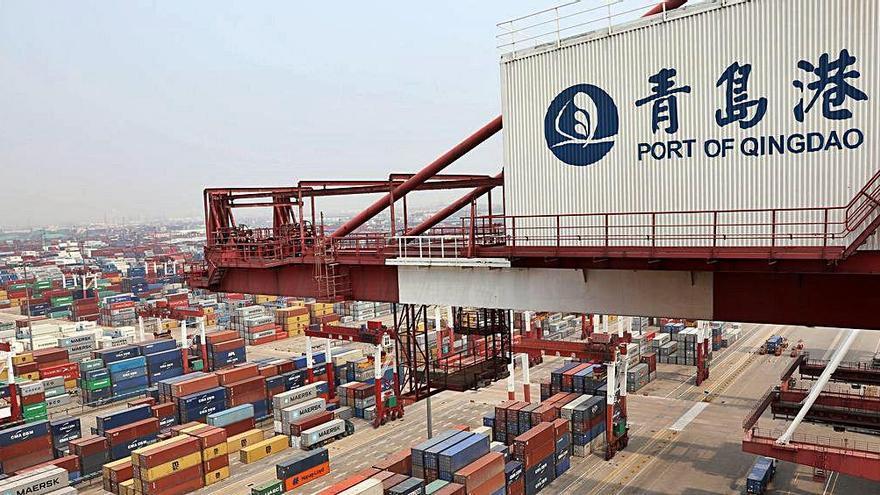 Los precios del transporte marítimo con China se disparan un 22 % y se paralizan flotas