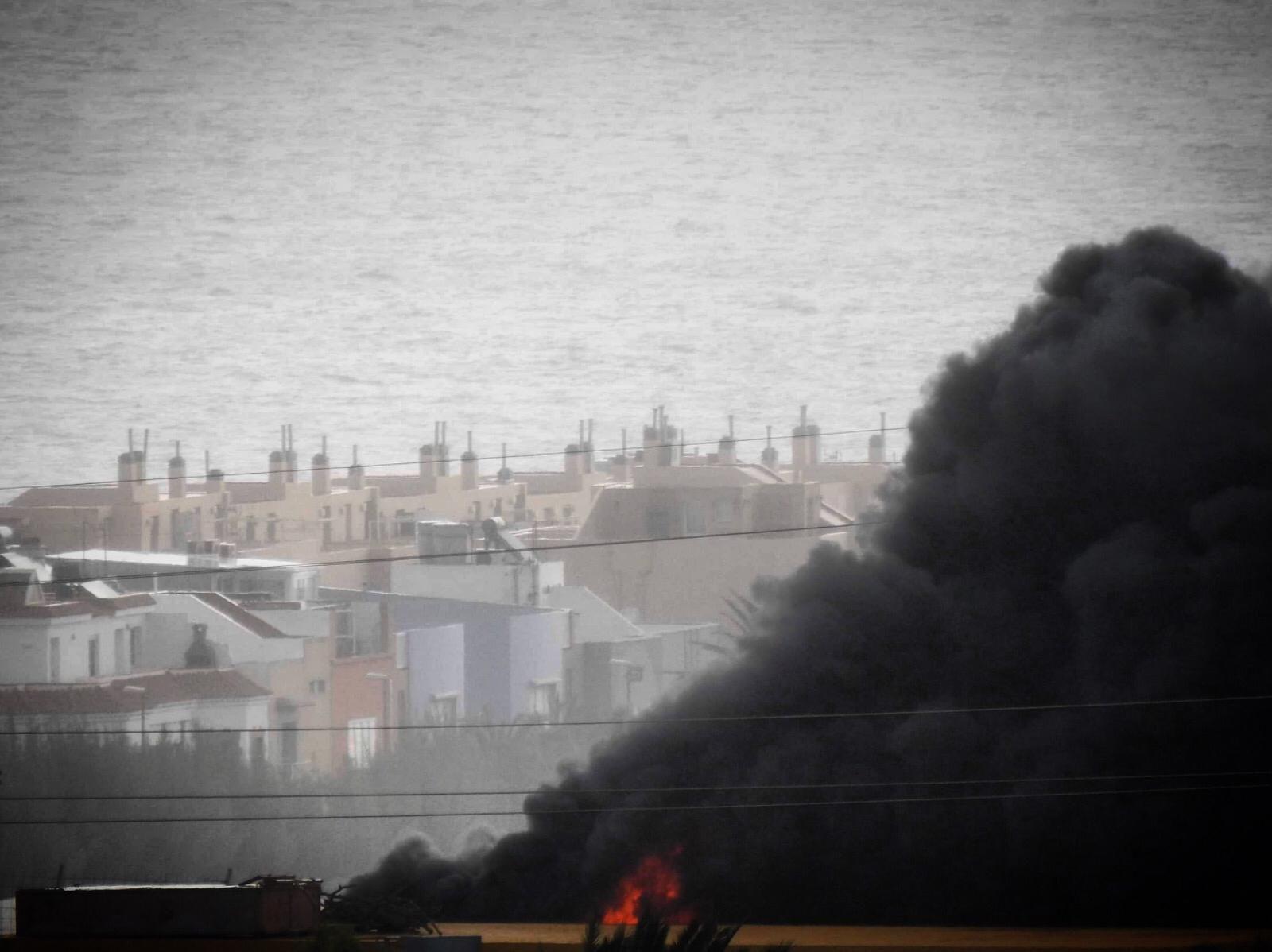 Incendio en una nave industrial en Ingenio