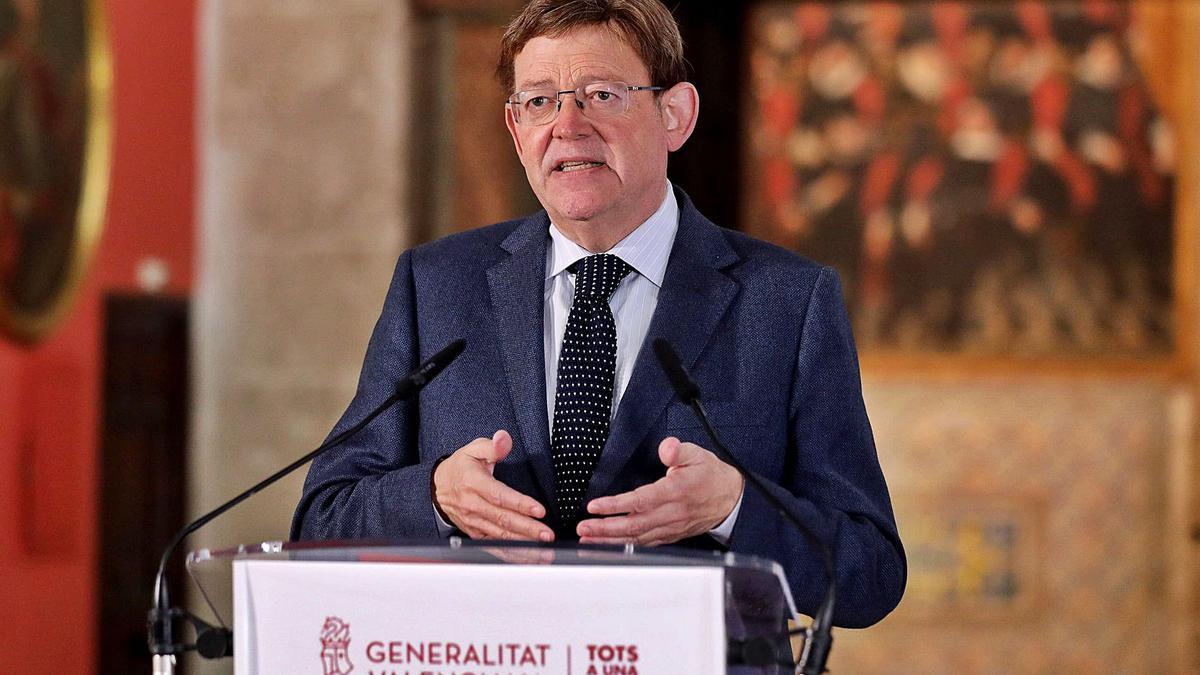 El presidente, Ximo Puig, ayer durante la declaración en el Palau, tras la reunión en la que se acordaron las nuevas restricciones. | LEVANTE-EMV