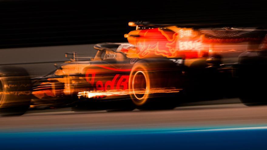 Verstappen sorprende a los Mercedes y conquista la pole en Abu Dabi