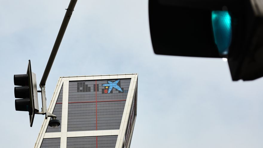 Los sindicatos se sentarán con la nueva CaixaBank después de Semana Santa para empezar a analizar el ERE